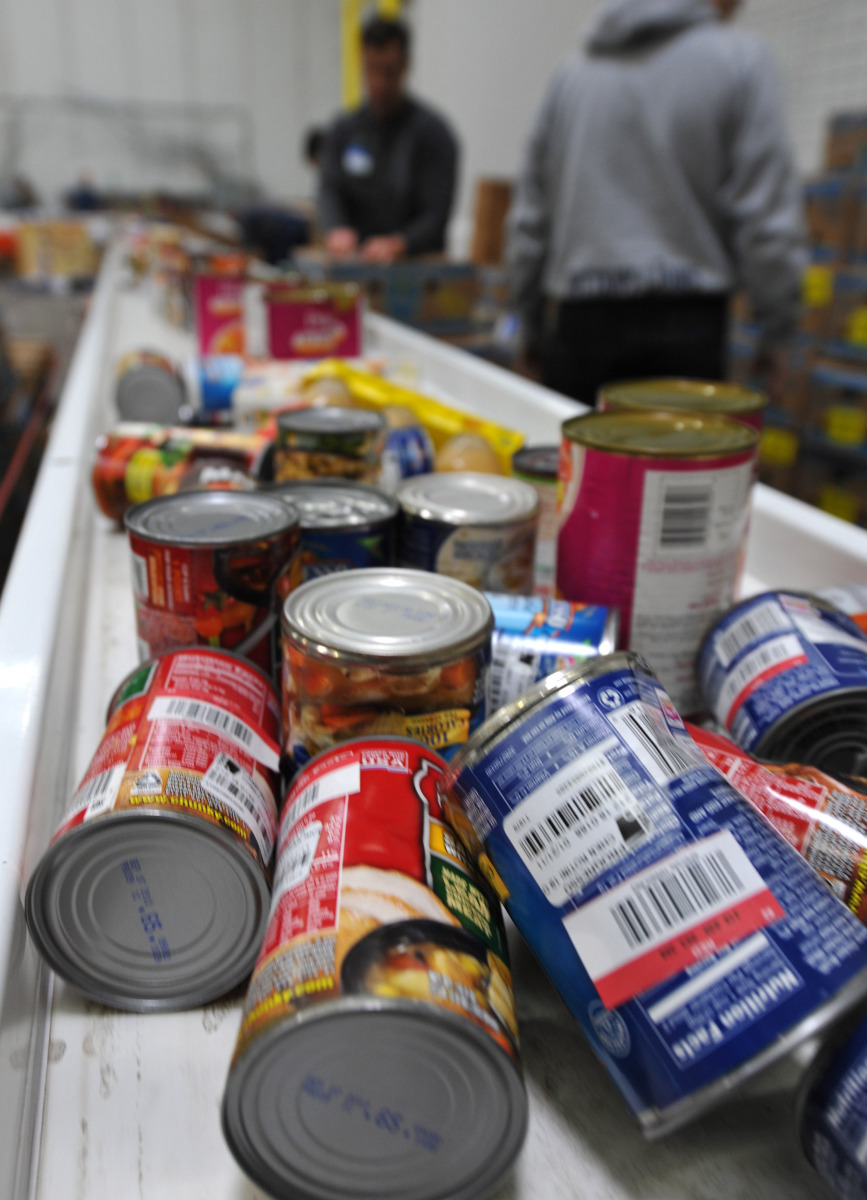 Food Pantry: Sorting Cans